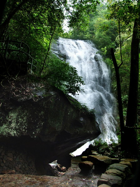 waterfall in wuyishan.jpg